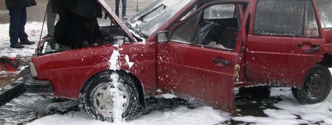 VW Passat горел около ТЦ «Галерея» (Фото)