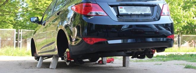 Разули. В Солигорске участились кражи колес с автомобилей