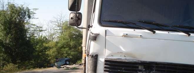 Под Солигорском отцепившийся прицеп фуры унес жизнь водителя легковушки